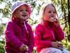 Emma og Maren spiser frokost